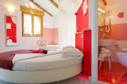 de-luxe-accommodation-rosa-rossa
