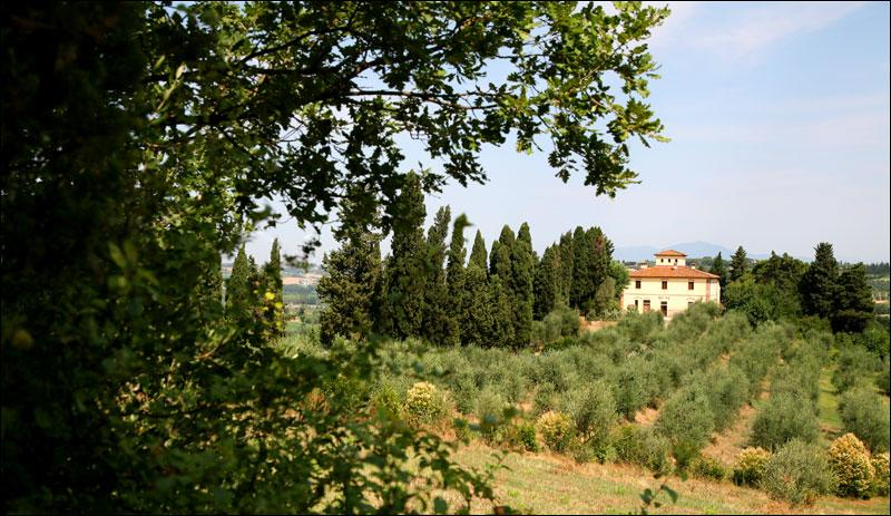 farmhouse-nearby-volterra