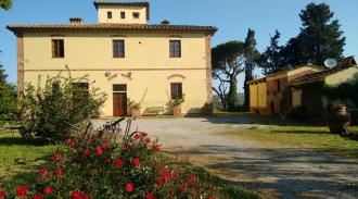 tuscan-apartaments-in-farmhouse